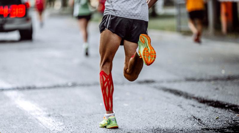 Kinesiologické-tejpy-při-běhání